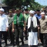 Apakah Jenderal Gatot Ditolak Karena Dekat Dengan Islam?