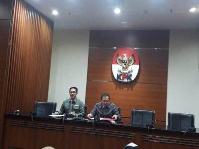 KPK Tetapkan Walikota Blitar dan Bupati Tulungagung sebagai Tersangka Suap Proyek
