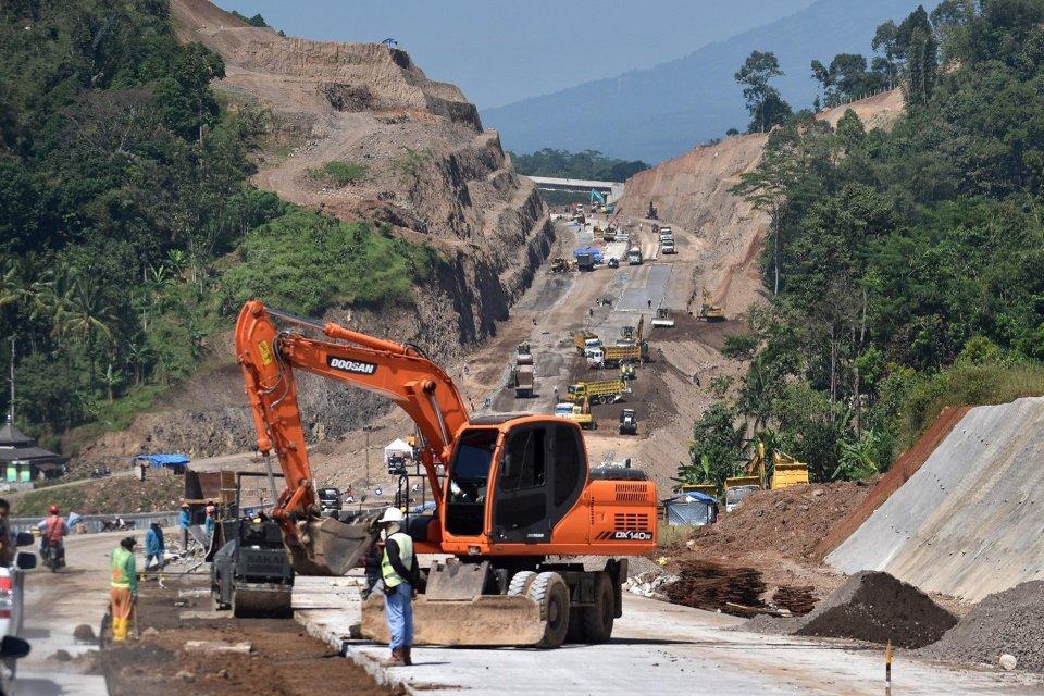 Menakar Ancaman dan Potensi di Balik Melambatnya Dana Infrastruktur