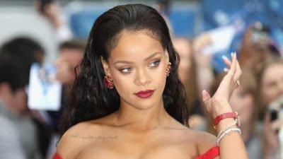 Aktris Rihanna Dinobatkan Jadi Duta Besar Luar Biasa Barbados