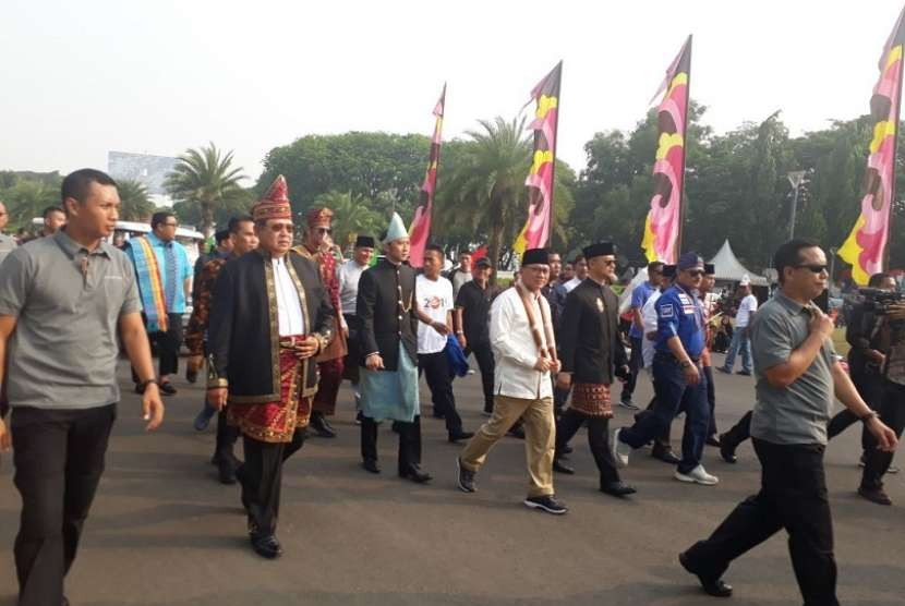 Aksi Kampanye Damai Tercoreng, SBY-Zulhaf Memilih Walk-Out